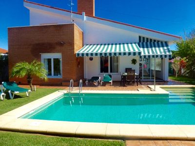 Photo for Villa Stella- Modern villa for 6 people with pool, A / C and wifi. 3km beach.