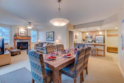 Spacious condo with dining for 6
