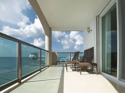 Photo for Perfect Location right on the Ocean and Close to Town!  Great Rates! (EC5CN)