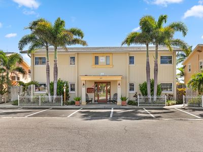 Photo for THE DOCKSIDE VILLAS UNIT A NEAR BEACHES  FREE BICYCLES AND HONEYMOON ISLAND BEACH PASS!!!