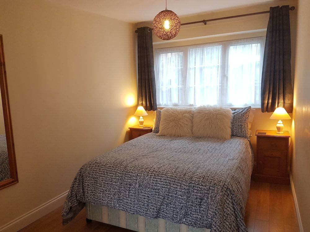 Parkview Apartments - Near West Wycombe Park - High