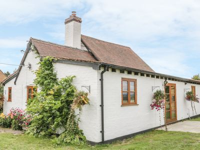 Photo for LITTLE POUND HOUSE, character holiday cottage in Mamble, Ref 966236