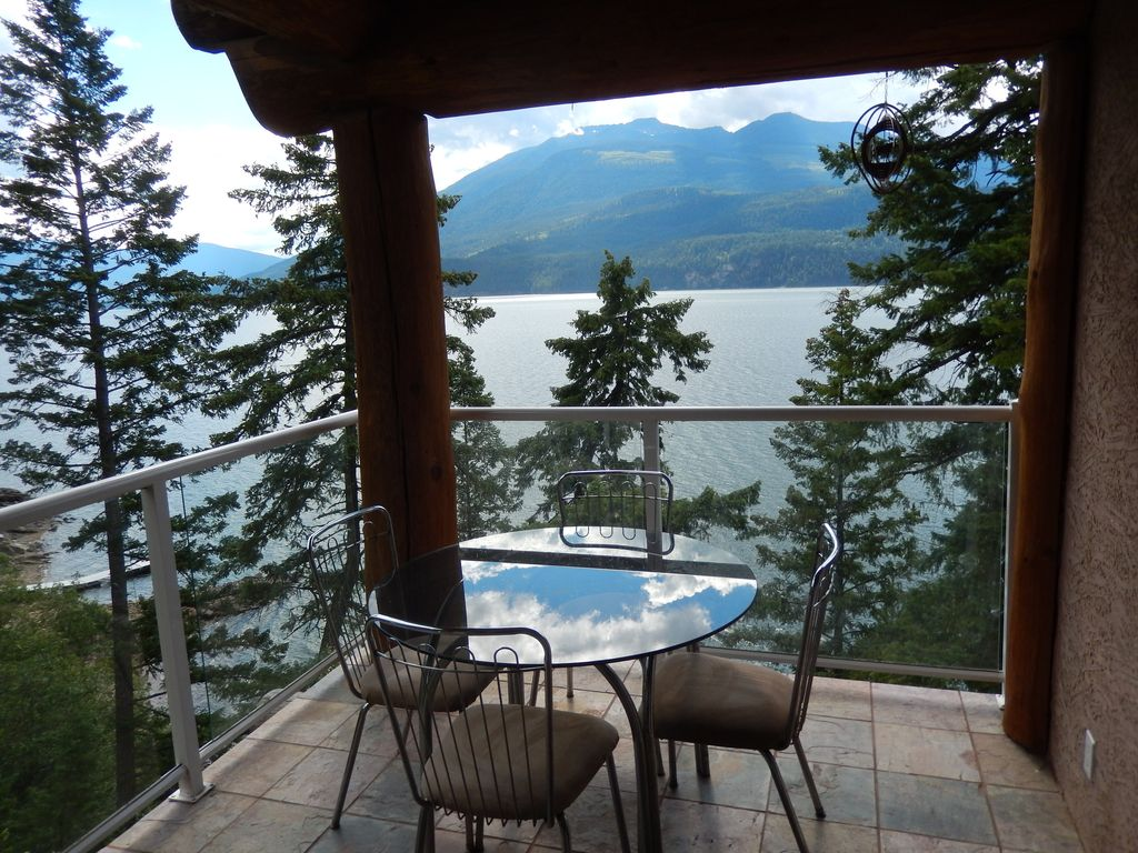 CHERRY COVE-COZY CABINS BY THE LAKE (Home/Apartment - Kaslo, Canada)