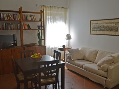 Photo for Quiet apartment w/elevator, few steps from Dome and Central Market