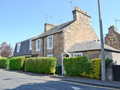 Photo for 2 bedroom property in Edinburgh. Pet friendly.