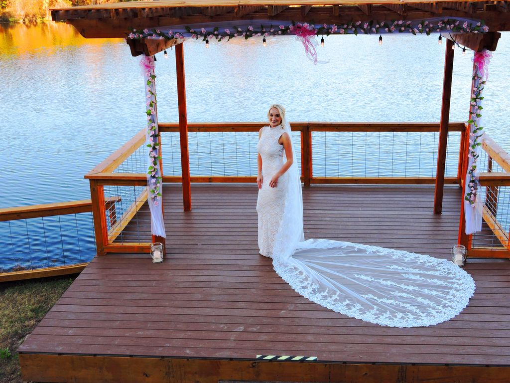 The Large yard & beautiful 16'x16' Deck is perfect for intimate weddings.