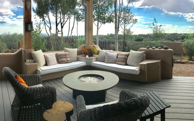 Covered portal w/views - gas fire pit + dining for 4.