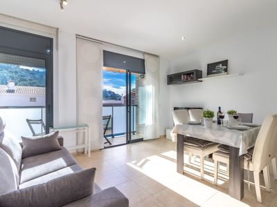 Photo for 2 bedroom Apartment, sleeps 5 with Pool, Air Con, FREE WiFi and Walk to Shops