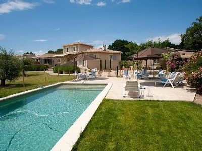 Photo for VILLA with HEATED SWIMMING-POOL  billiard room in the feet of Alpilles for 14