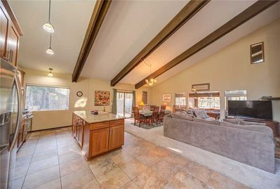 Sunriver-Vacation-Rental---Pine-Cone-9---Overview-1