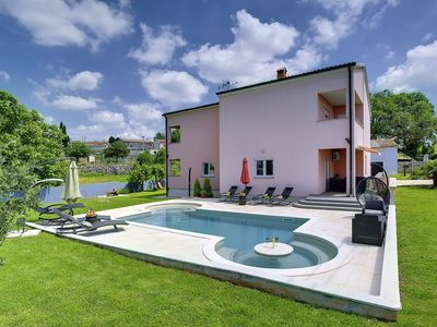 Photo for Villa with private pool, 5 bedrooms, 3 bathrooms, washing machine, air conditioning, WiFi, sauna, pool table, table tennis, fitness and a barbecue area