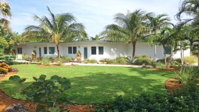 Photo for Private 1/1 at the beach & downtown Lauderdale by the Sea - Best Location!
