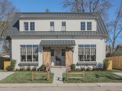 Photo for NEW Franklin Farmhouse in heart of downtown! Steps from shops & restaurants!
