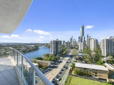 Photo for Surfers Paradise 3 Bedroom Apartment ocean View
