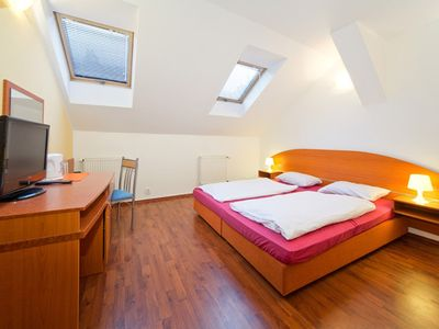 Photo for Comfortable rooms with private bathroom 15 minutes walk from the Alstadt