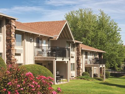 Photo for Family-Friendly Condo w/ Fireplace, Resort Pool, Full Kitchen & Near State Park