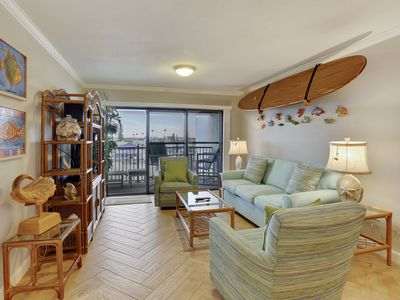 Photo for Land's End #403 building 3-Updated/TOP floor BAY view with PRIVATE balcony!