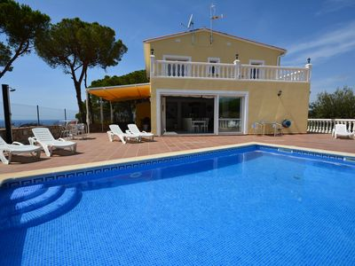 Photo for Villa Yuca, 17p, sea view, luxuous, full airco , wifi, pool, center 700 meters