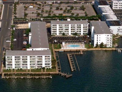 Photo for Thunder Island 159D-Baywater 39th St, Free WiFi, Pool, Elev, W/D, AC