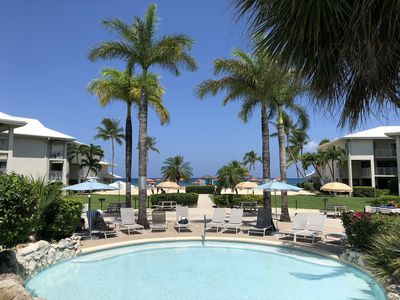 Beautiful Ocean View Condo on Famous 7 Mile Beach