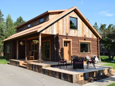Photo for Delightful 3 bedroom Log Cabin near Greenough Park, newly remodeled
