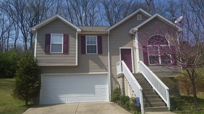 Photo for A well kept home in music city,  15 min from the airport, 20 min from downtown