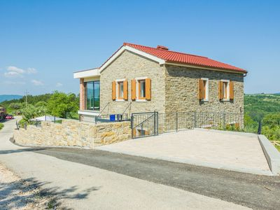 Photo for 3BR Villa Vacation Rental in Oslići