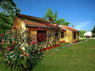Photo for Bungalow in holiday park located directly on the sea with several beaches
