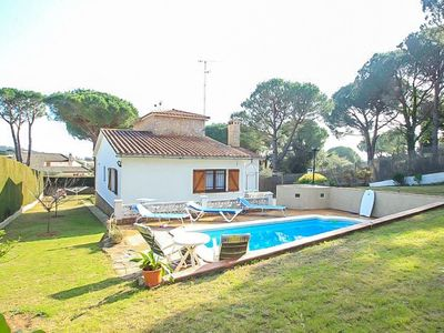 Photo for Club Villamar - Nice house with private pool and large garden in a quiet area