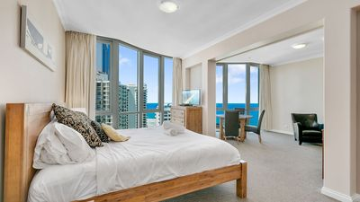 Photo for 1 Bed Ocean Heart Surfers Paradise