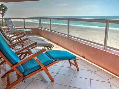 Luxury 2BR 2.5BA Condo with >180 Degrees of Beach Views