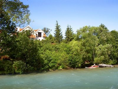 Photo for Very comfortable holiday cottage, perched on the high shore of the Talty Lake