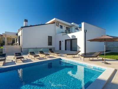 Photo for Stylish villa with a private pool near Umag