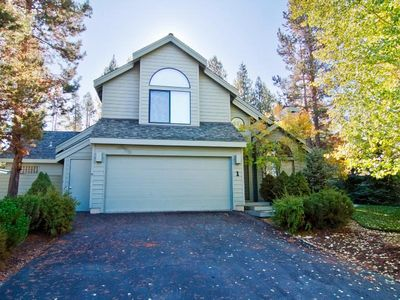 Photo for This property is a 2400  square feet,  4 Bedroom, 3.5 bathroom accommodation located in Sunriver. It