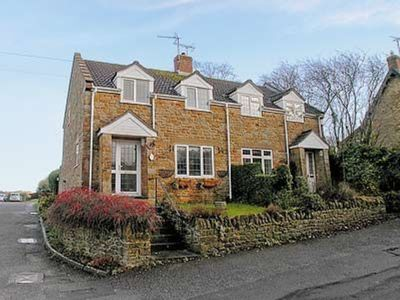 Photo for 3 bedroom property in Yeovil. Pet friendly.