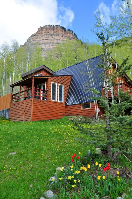 Durango Cabin Rental   The Castle Rock Cabin