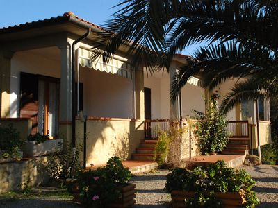 Photo for Holiday home in a quiet, idyllic location - Casa Luppoli