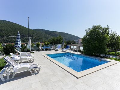 Photo for Apartment in Dubrovnik with swimming pool and sea view   (A2)