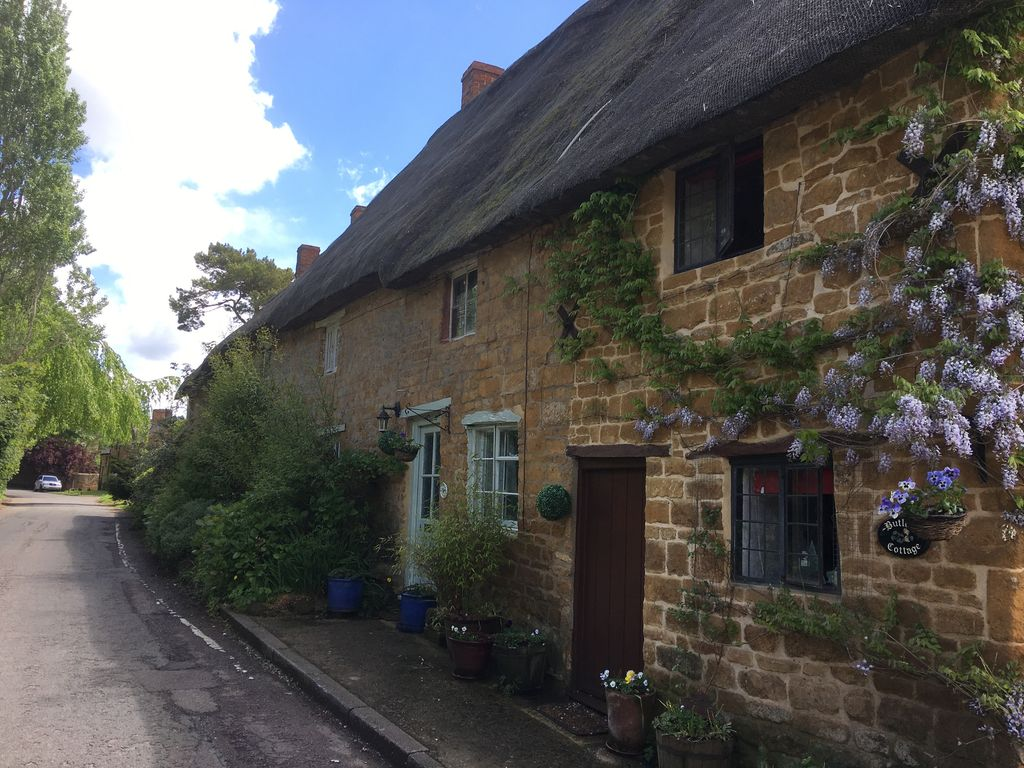 Butlers Thatch Cottage