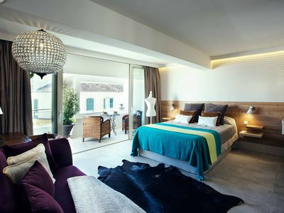 Photo for 5 STARS CABARET SUITE - Apartment for 2 people in Málaga