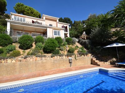 Photo for Beautiful, comfortable villa with private pool and great view, near the sea