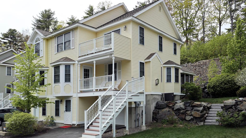 The Maine Event Perfect Location In Town Townhome Short