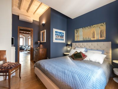Photo for HEART OF FLORENCE Pitti 2 Bed-Apartment!