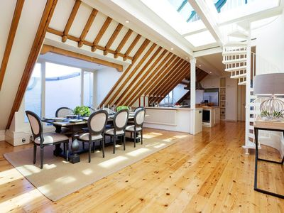 Photo for Breathtaking 3 bed with amazing roof terrace. 10 minute walk to the tube (Veeve)