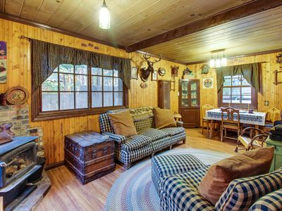 Photo for Rustic alpine cabin w/a prime Tahoe location and private hot tub - dog-friendly!