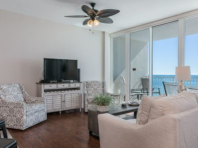 Photo for Bright and Airy Gulf-Front unit, Stunning views, Minutes to shopping and entertainment