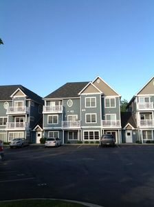 Lovely Condo in downtown Traverse City, close to everything.