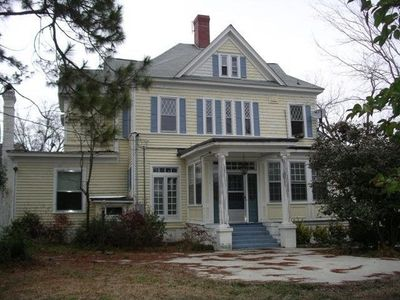 Beautiful Renovated Historic Home In Kinston Historic District.