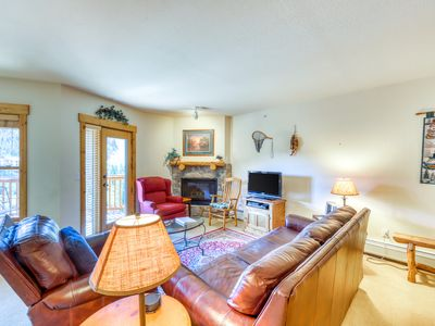 Photo for Mountain condo w/ gas fireplace - elevator access, shared hot tub, deck