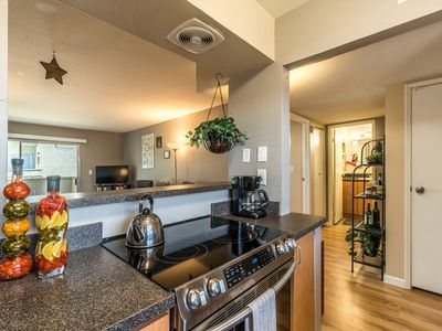Photo for Cute Scottsdale Condo - walking distance to Scottsdale mall and dining